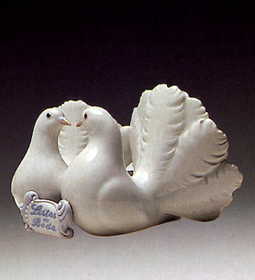 Kissing Doves Lladro Figurine