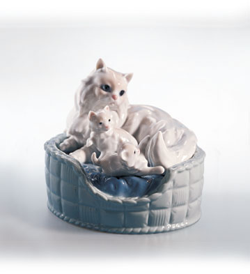 Kitty Care Lladro Figurine