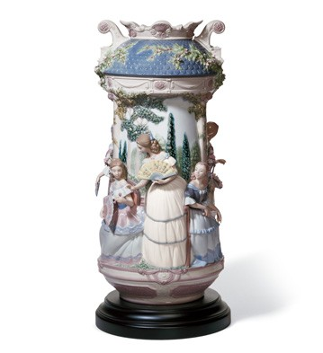 Ladies In The Garden Vase Lladro Figurine