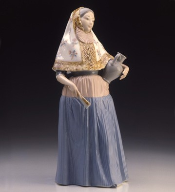 Lady From Majorca Lladro Figurine
