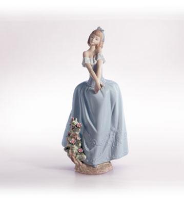 Lady In Love Lladro Figurine