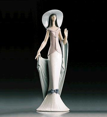 Lady Of Nice Lladro Figurine