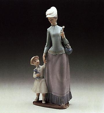 Lady W. Girl Lladro Figurine