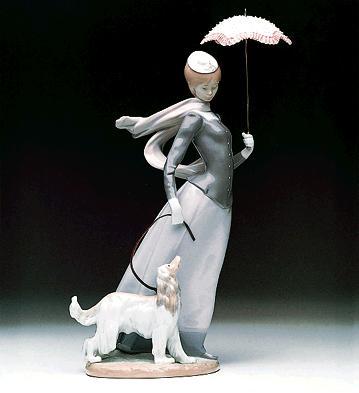 Lady With Shawl Lladro Figurine