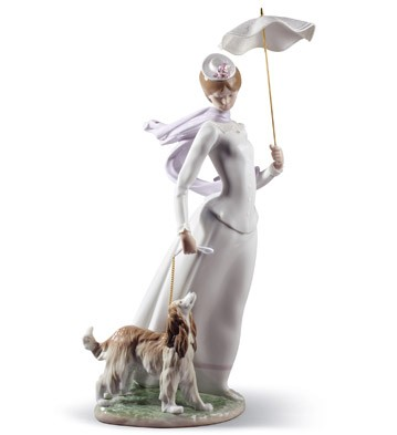 Lady With Shawl Lladro Figurine