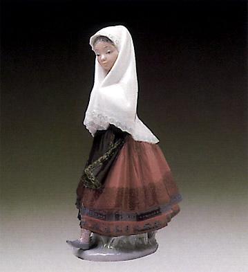 Lagartera Girl Lladro Figurine