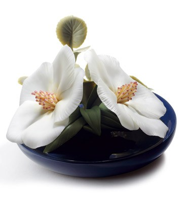Lavatera Blossoms Lladro Figurine