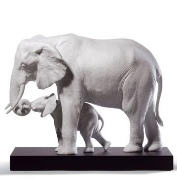 Leading The Way (white) Lladro Figurine