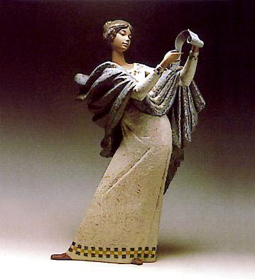Lectora Lladro Figurine
