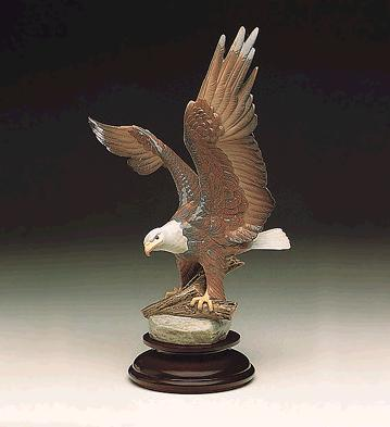 Liberty Eagle (l.e.) (b) Lladro Figurine