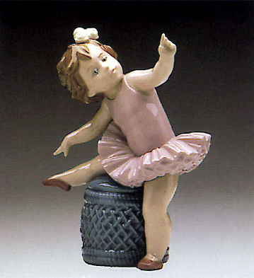 Little Ballet Girl (pink) Lladro Figurine