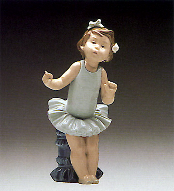 Little Ballet Girl Lladro Figurine