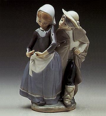 Little Couple Kissing Lladro Figurine