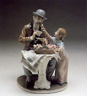 Little Flower Seller Lladro Figurine