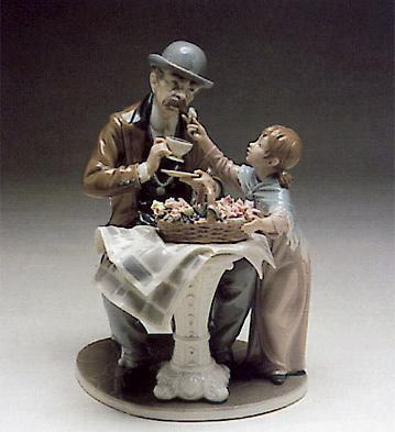 Little Flower Seller Lladro Figurine