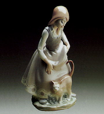 Little Girl With Cat Lladro Figurine