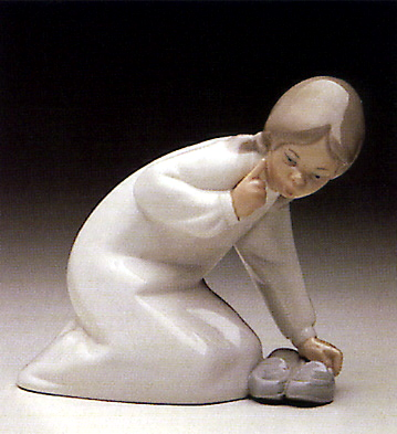 Little Girl With Slippers Lladro Figurine