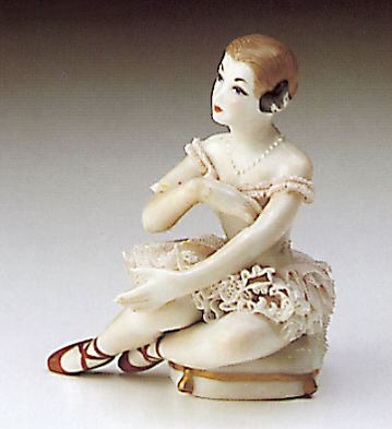Little Lady Sitting Lladro Figurine