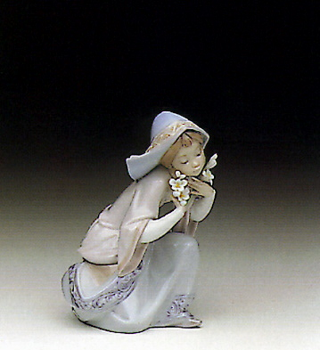 Little Virgin Lladro Figurine