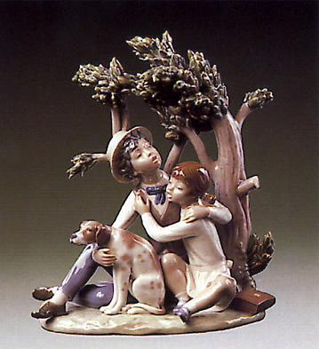 Looking For A Refuge Lladro Figurine