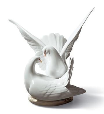 Love Nest Lladro Figurine