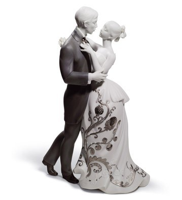 Lovers' Waltz (re-deco) Lladro Figurine