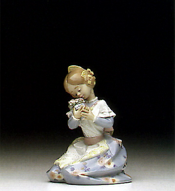 Loving Valenciana Lladro Figurine