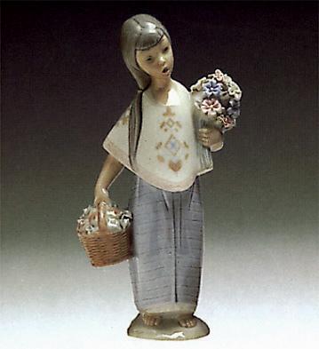 Lupita Lladro Figurine