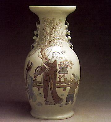 Mandarin Vase Lladro Figurine