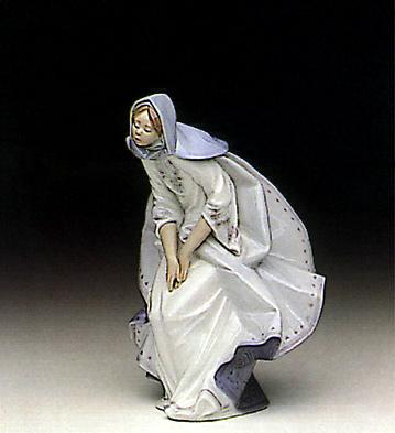 Mary Lladro Figurine