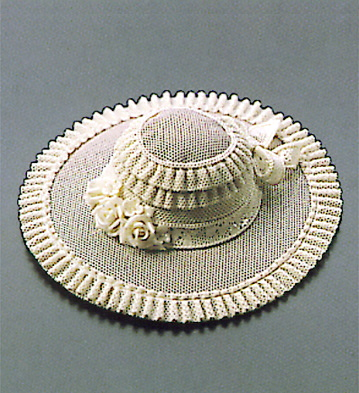 Medium Pamela Hat (white) Lladro Figurine