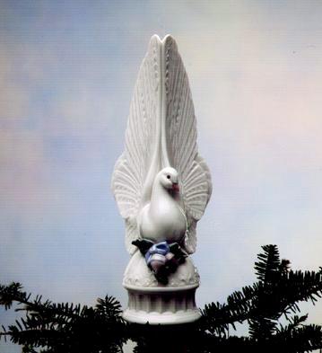 Message Of Love Lladro Figurine