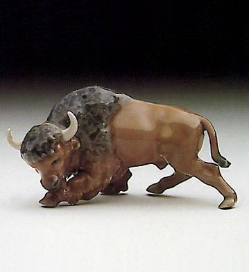 Mini Bison, Attacking Lladro Figurine
