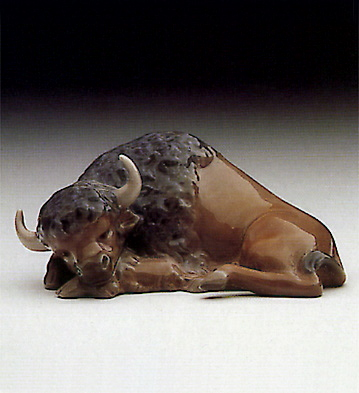 Mini Bison, Resting Lladro Figurine