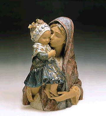 Mother Kissing Child (l.e Lladro Figurine