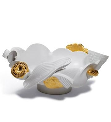 Naturo. -centerpiece (golden) Lladro Figurine