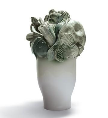 Naturo. -large Vase (green) Lladro Figurine