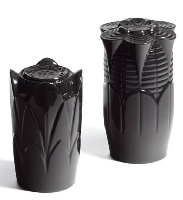 Naturo. -salt & Pepper Shakers (black) Lladro Figurine