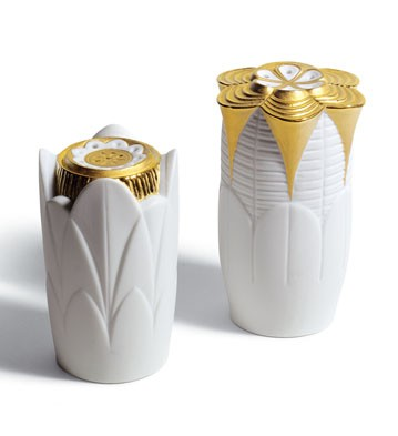 Naturo. -salt & Pepper Shakers (golden) Lladro Figurine