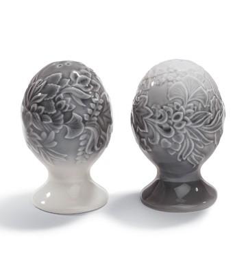 Naturo. -salt&pepper Shak (grey) Lladro Figurine