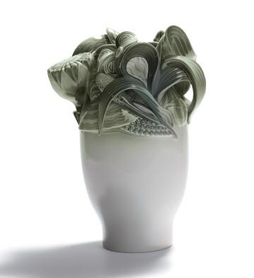 Naturo. -small Vase (green) Lladro Figurine