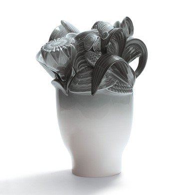 Naturo. -small Vase (grey) Lladro Figurine