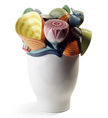 Naturo. -small Vase (mutlicolor) Lladro Figurine