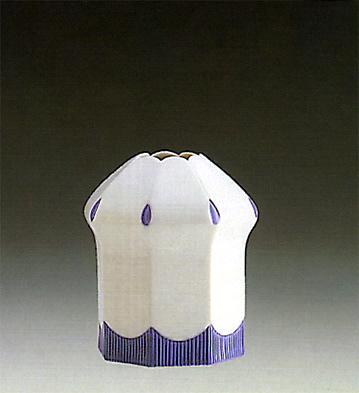 Octagonal Chinese Vase Lladro Figurine