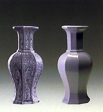 Octogonal Jar Blue Lladro Figurine
