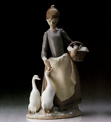 Pacing The Ducks Lladro Figurine