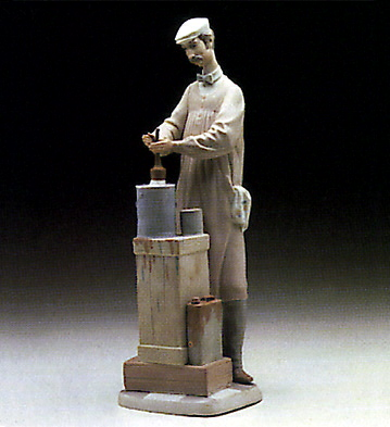 Painter Lladro Figurine