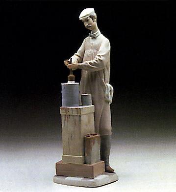 Painter Lladro Figurine