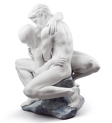 Passionate Kiss (white) Lladro Figurine