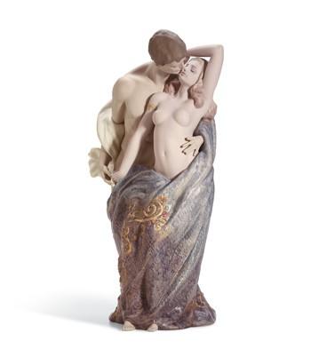Passionate Lovers Lladro Figurine